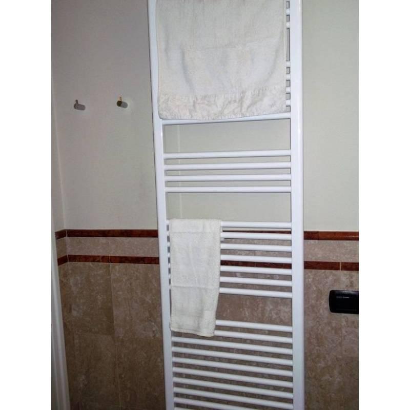 Termoarredo scaldasalviette elettrico mod cortina bianco - Scaldasalviette da bagno ...